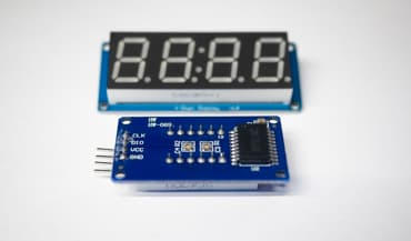 7 segment display with driver